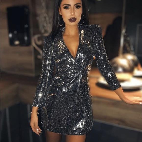 3c6e4919fd4 Zara sequin silver tuxedo blazer dress - XS. M 5b56815fcdc7f75d6bd4cc46